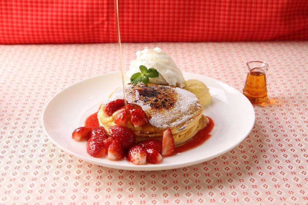 【期間限定】いちごのパンケーキブリュレ/いちごミルクモミ
